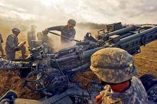 [フリー画像] 社会・環境, 戦争・軍隊, 榴弾砲, アメリカ陸軍, 201011172300