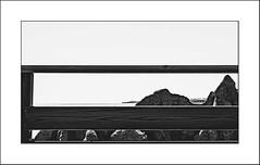 Images Singulières du Portugal #16 (Napafloma-Photographe) Tags: 2017 algarves architecturebatimentsmonuments atlantique bandw bw catégorieprojet détailsarchitecturaux géographie landscape métiersetpersonnages paysages personnes portugal techniquephoto vacances barrière blackandwhite falaise monochrome napaflomaphotographe noiretblanc noiretblancfrance océan paysage photographe plage province albufeira pt