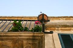Always looking up (Maluni) Tags: italia puglia apulia otranto mediterraneo italy south sud balconi balconies gerani fiori flowers salento