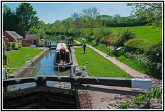 Enjoying a Beautiful Holiday on the Canals at Braunston, Northamptonshire, England. (Bill E2011) Tags: england british canals narrowboat holidays vacation water braunston northamptonshire beauty