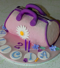 Alicia's 2nd Birthday Handbag (TheLittleCupcakery) Tags: cake little handbag tlc cupcakery klairescupcakes