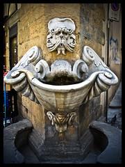 AQVA (Diaaavelo) Tags: street city italy sculpture art water florence italia firenze drinkingfountain cluplaplaploplaplop