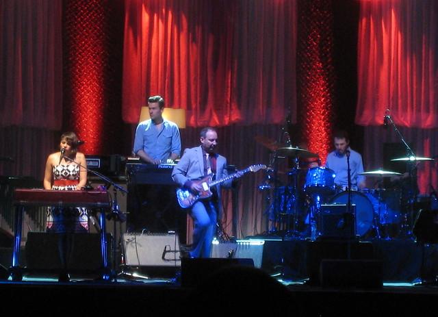 Norah Jones, & Band, 2010 by ShakeFrog