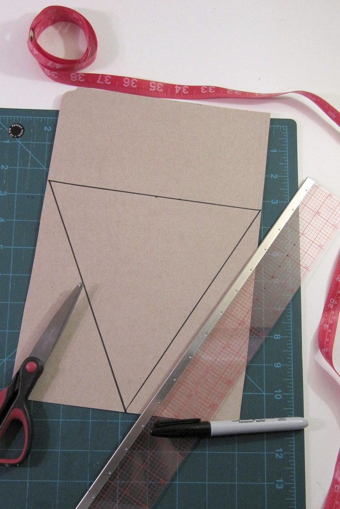 DIY Project: Canada Day Pennant Bunting: Cut Out Triangle Pennant Template