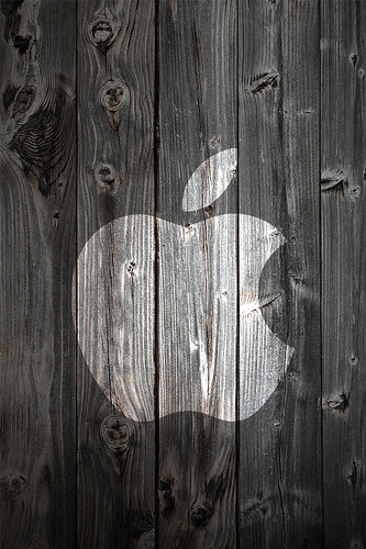 White Apple Logo on Wood Background - iPhone 4 Wallpaper 960 pixels x 640