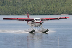 Landing in Yellowknife (Jason Pineau) Tags: airplane aircraft aviation otter turbine seaplane yellowknife floatplane dehavilland dhc3 airtindi cfzdv
