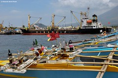 Big Boats, Small Boats (D Pardo) Tags: travel port docks boats ships waterscape legazpi albay deascape