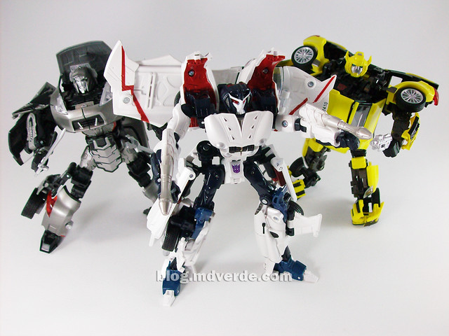 Transformers Starscream Alternity vs Megatron vs Bumblebee - modo robot