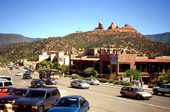 Sedona, Arizona - USA (2000) (Mic V.) Tags: road street red arizona usa mountains rock america us 2000 united main sedona canyon states unis amrique etats amerique tats
