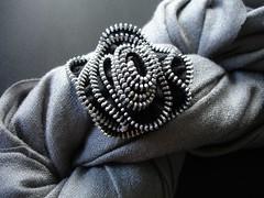 Zipper brooch (The Bees) Tags: flower pin brooch craft zipper