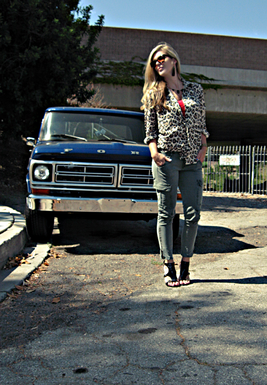j brand skinny cargo pants+leopard print blouse+tom ford anouk sunglasses+vintage ford truck
