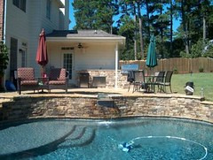 Fieldstone-Pool-Outdoor-Kitchen