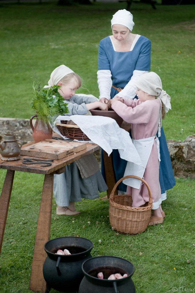Food preparation - Medieval Arts & Crafts @ Rievaulx Abbey