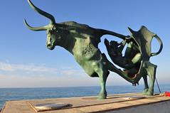Pasifae_2 (dapray) Tags: vilanova geltru pasifae playa espigon colorsinourworld figura estatua bronce