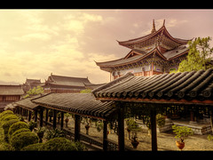 Mu's residence part II (Kaj Bjurman) Tags: china old eos town place mus 5d yunnan residence mu hdr lijiang kaj mkii markii cs4 photomatix bjurman