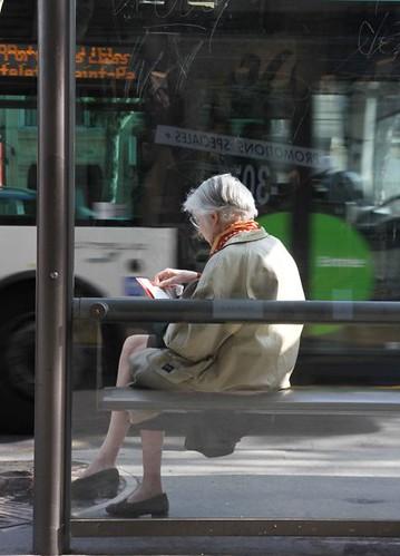 10d25 Barrio varios002 variante Señora autobús