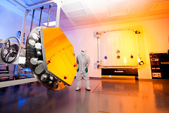 Gold-coated Engineering Design Unit (EDU) Primary Mirror Segment (James Webb Space Telescope) Tags: mirror space mirrors nasa telescope webb jwst webbtelescope hubblessuccessor engineeringdesignunit goldcoatedhubble