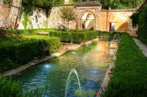 Alhambra. Generalife. Patio del cipres de la sultana