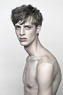 SS11Neil Barrett Portraits0019_Benoni Loos