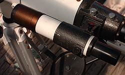 天体望遠鏡のファインダ