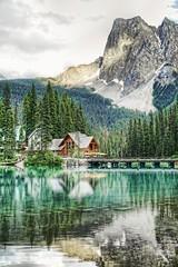 Across Emerald Lake HDR