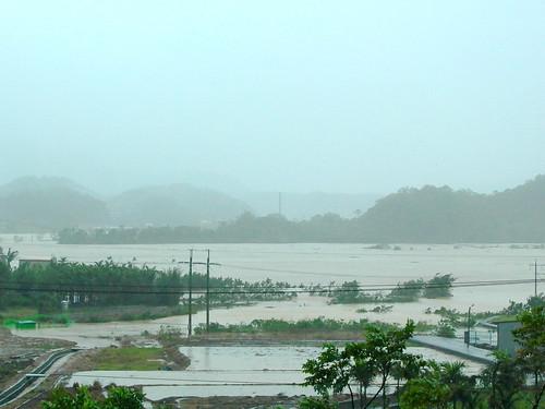 2004年納坦水淹田寮洋。攝影:田寮洋居民