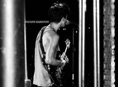felix (Pauline Hardouin) Tags: summer music white black rock nikon felix guitar live nb bb backstage t pauline lavandou musique guitare rtl coulisses d40 hardouin brunes rtl2 nikond40