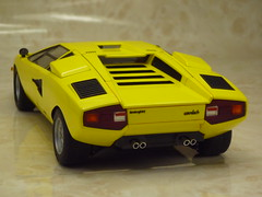 lcolp400103 (tanayan) Tags: scale car lumix miniature model panasonic plastic 124 kit lamborghini countach modelcar fujimi  lp400  dmcfx40