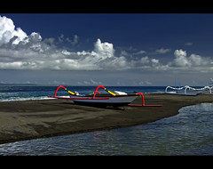 Outriggers on Black Sand Beach | Kusamba | Eastern Bali (I Prahin | www.southeastasia-images.com) Tags: bali beach clouds indonesia blacksand fishing fisherman traditional east eastern outrigger nusapenida islandofgods bestcapturesaoi gettyimagessoutheastasiaq1