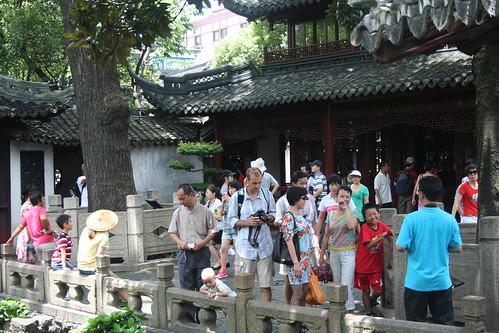 2010-07-25 - Yuyuan Garden - 08 - Crowds