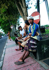 Balinese Teens In Ubud (cwgoodroe) Tags: bali chicken blanco birds museum indonesia dancers rice feathers statues peacock carvings patties ubud legong paddies padies