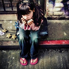Chlo (pimpdisclosure) Tags: parenthood daddy stars oakland kid alley child father daughter chloe pimp day120 pimpexposure thepimpchronicles thisisanouttakefrommy365 wewerehangingoutinanalleyinoaklandwhenitookthisshot thepimpemblemishiddengoodonceagainsuckas thisisntaboutloveitswrittenaboutaccomplishments betinaistheemblemwinneragainimtakinghertovegas
