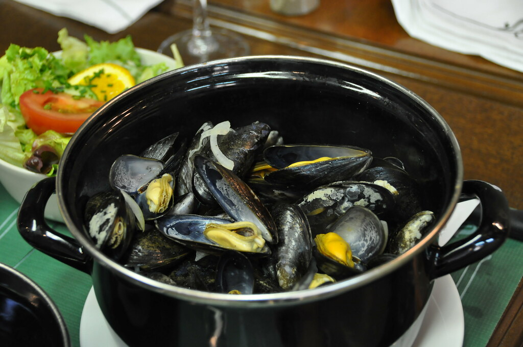 Les Moules from