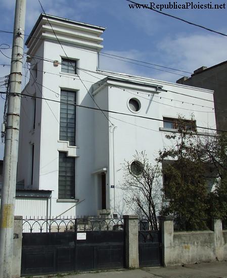 Art Deco in Ploiesti - Casa pe strada Hasdeu - 1