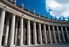 Columns of the Vatican (LimeWave Photo) Tags: vatican square columns vaticano piazza stpeterssquare pillars sanpietro colonnade piazzasanpietro colonnato pilasters largodelcolonnato