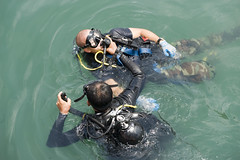 Diver Casualty Drill (US Navy) Tags: training military militar mission diver usnavy unitedstatesnavy rescate marineros buceador casualtydrill
