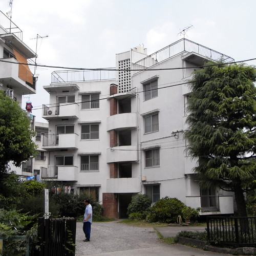 Naoi Apartment House 01