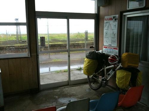 JR函館本線山崎駅で休憩中