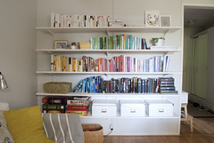 (KatjaR.) Tags: books livingroom bookshelves