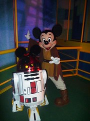 Last Tour to Endor: Jedi Mickey and R2-MK (partyhare) Tags: fan starwars disney event disneyworld characters wdw waltdisneyworld dhs celebrationv disneyshollywoodstudios lasttourtoendor