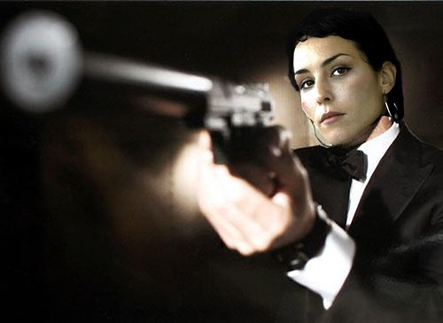 bond-women-noomi