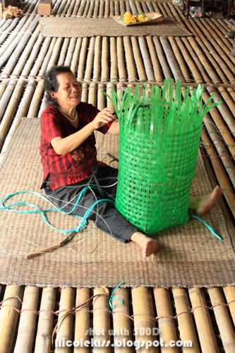 weaving ratan