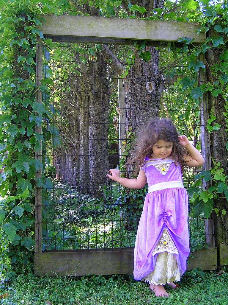 the princess at the gate