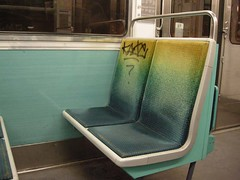 Mtro - 27 (Stephy's In Paris) Tags: paris france underground subway nikon metro mtro francia stephy mtroparisien mtropolitain mtrodeparis stephyinparis coolpixp5100 nikoncoolpixp5100