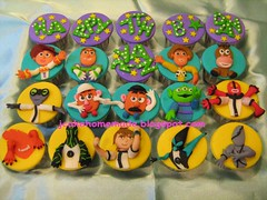 Ben 10 & Toy Story character theme cupcakes (Jcakehomemade) Tags: jessie children cupcakes toystory buzzlightyear disney pixar mrpotatohead upgrade xlr8 mrspotatohead sheriffwoody ben10 ben10alienforce cartooncharactercupcakes jcakehomemade bullseyesqueezetoyaliens wildmurt greymatterghostfreak fourams cupcakesryan