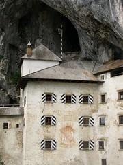 Predjamski Grad (4) (marc_vie) Tags: slovenia cave slowenien grad castel burg grotte höhle slovénie slovinsko predjama lueg höhlenburg predjamski lueghi