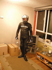 Me trying new gear on 1 (spiderman71) Tags: leathers alpinestars