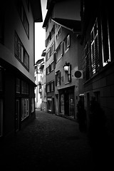 watch (gato-gato-gato) Tags: street leica city bw white black schweiz switzerland flickr suisse strasse zurich streetphotography rangefinder zrich svizzera rathaus altstadt weiss schwarz gasse m9 lindenhof niederdorf zurigo strase drfli hochschulen kreis1 gatogatogato leicam9 leicaelmaritm28mmf28asph gatogatogatoch wwwgatogatogatoch
