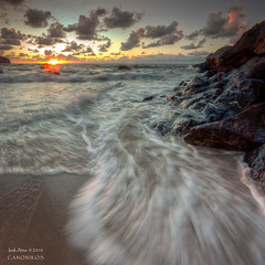 Last Rays of the Summer Sunset II  `[Explore] (saki_axat) Tags: sunset sea summer sun seascape beach nature canon atardecer coast mar waves playa explore bizkaia euskalherria basquecountry bakio cantabrico 50d mygearandmepremium mygearandmebronze mygearandmesilver
