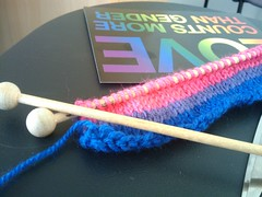 Knitting a bi pride bracelet